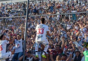 """Gustavo Coleoni """"El equipo se siente cómodo en el mano a mano"""""""
