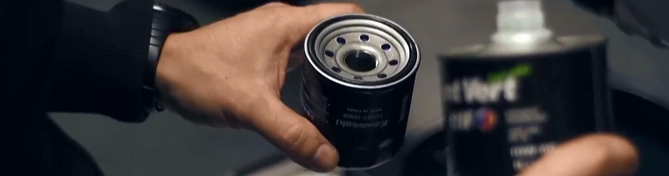 cambio filtro de aceite de moto