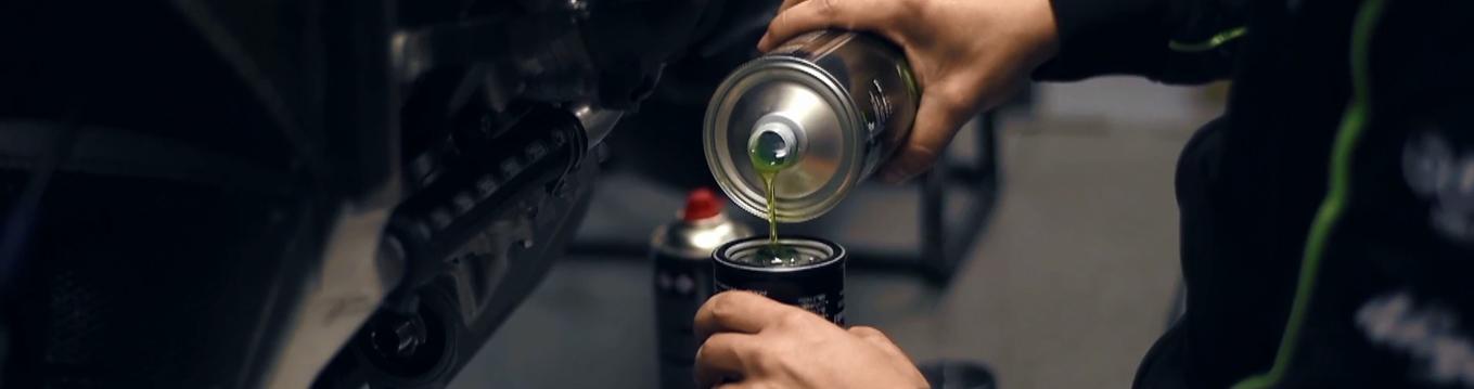 Si no cambiás el aceite de la moto en forma regular puede pasar esto... Mirá.